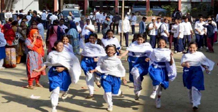 স্কুল খুলতে পারেযেকোনো সময়,শিক্ষক-কর্মকর্তাদের টিকা নেওয়ার নির্দেশনা প্রধানমন্ত্রীর